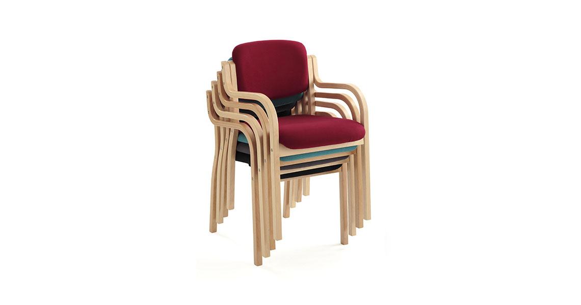 Chaise en bois pour personne g e leyform for Chaise en bois avec accoudoir
