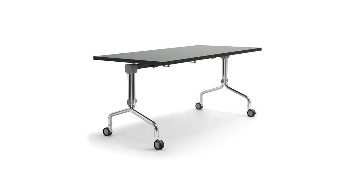 tables empilables avec roues pour les salles polyvalentes leyform. Black Bedroom Furniture Sets. Home Design Ideas